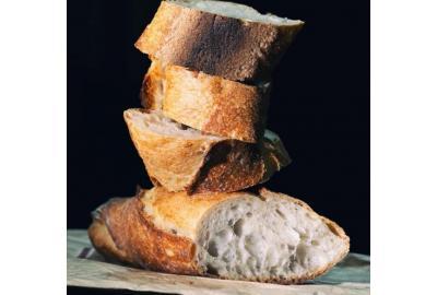 Baguette selbst gebacken, Ideal für einen gelungenen Grillabend